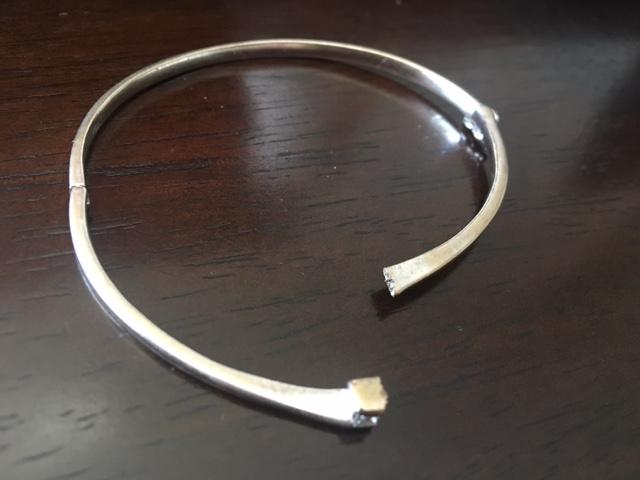 Jewelry repair: bangle