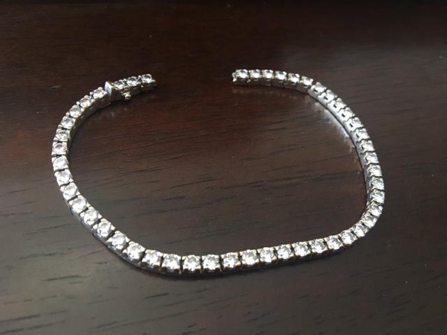 Jewelry repair: diamond tennis bracelet