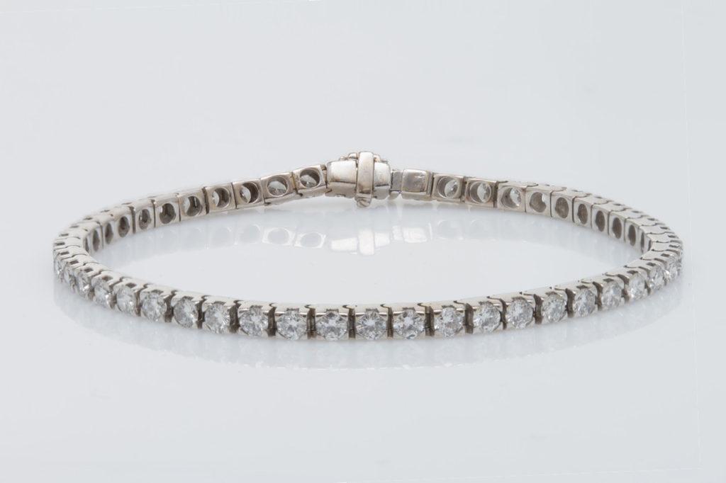 Jewelry Repair: 18k diamond bracelet