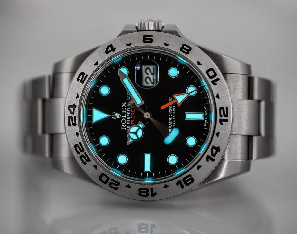 The blue Chromalight display of the Rolex Explorer II ref. 21670