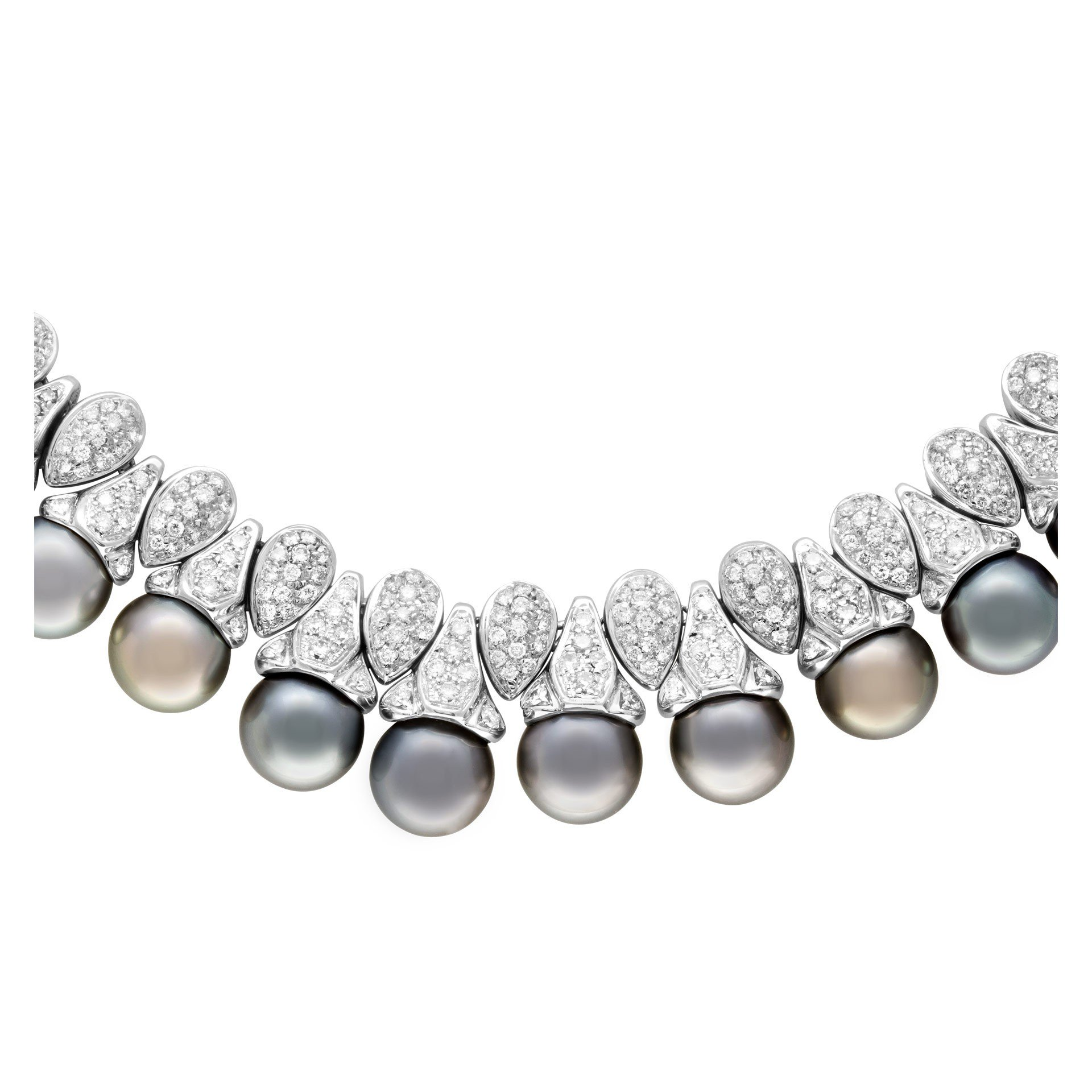 Diamond and Pearl Jewelry: Black pearl and diamond necklace