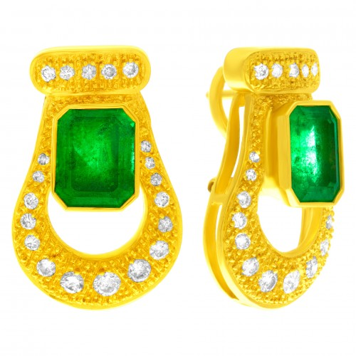 May Birthstone Emerald jewelry: Vintage-style yellow gold and emerald earrings