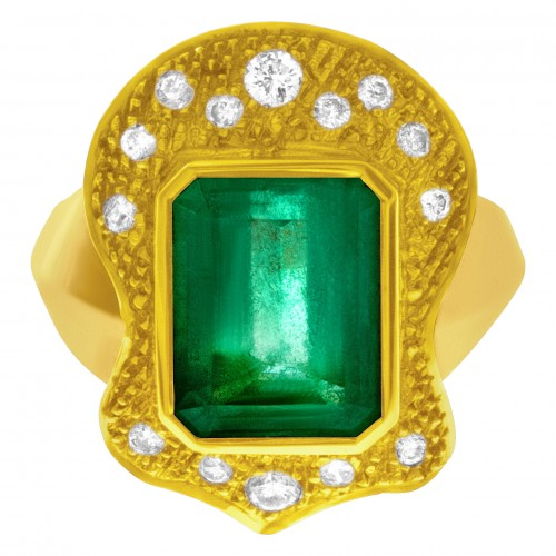 May Birthstone Emerald jewelry: Vintage-style yellow gold and emerald rings