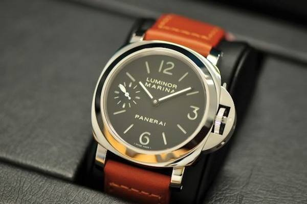 The hallmark of the Panerai Luminor is the oversized crown guard