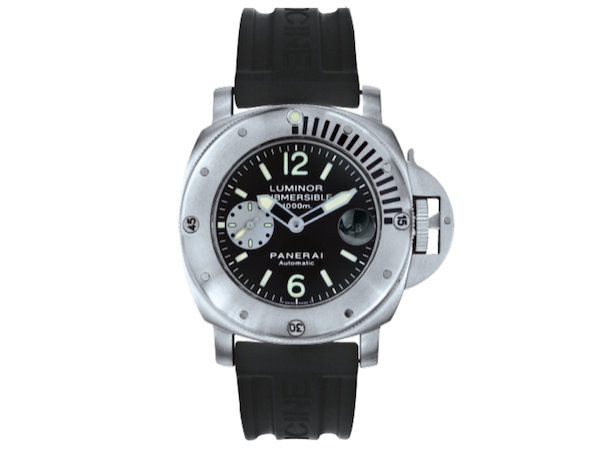 The first Panerai La Bomba was the Luminor Submersible PAM064