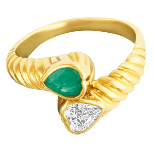 Heart shaped emerald & diamond ring in 14k. Size 4.25