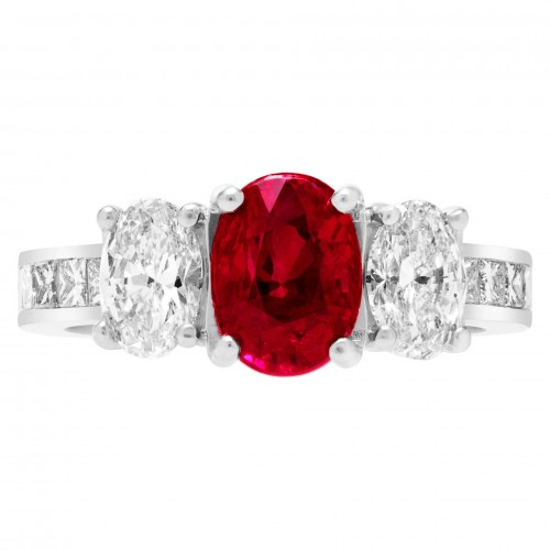 GIA certified ruby & diamond ring with 2 cts Burma ruby & two 0.50 ct oval dia & princess cut dia