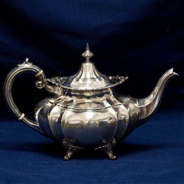 Reed & Barton Hampton Court 5 Piece Sterling Tea Set 81.16 Oz Troy image 3