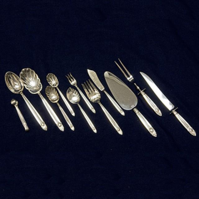 "International ""Empress"" Sterling Silver Flatware Set. 9 pc service for 8 - 92 total pcs. image 3"