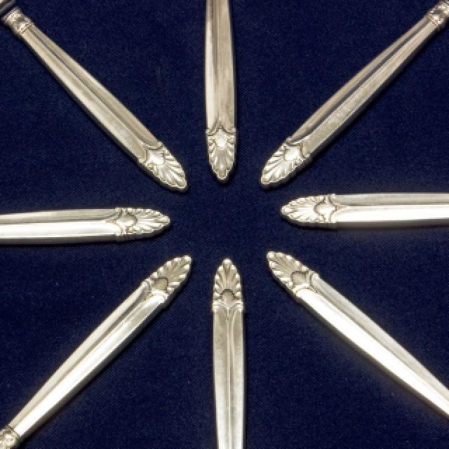 "International ""Empress"" Sterling Silver Flatware Set. 9 pc service for 8 - 92 total pcs. image 4"
