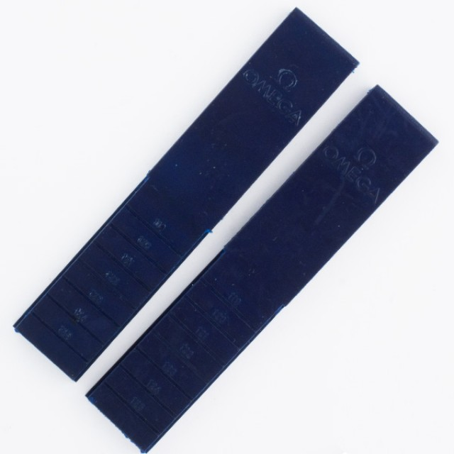 Omega Seamaster navy blue rubber strap (18mm x 16mm) image 1