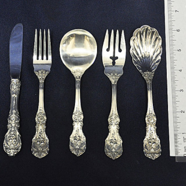 """Reed & Barton """"Francis I"""" Sterling Silver Flatware Set. 6 pc service for 12 - 105 total pcs. image 1"""