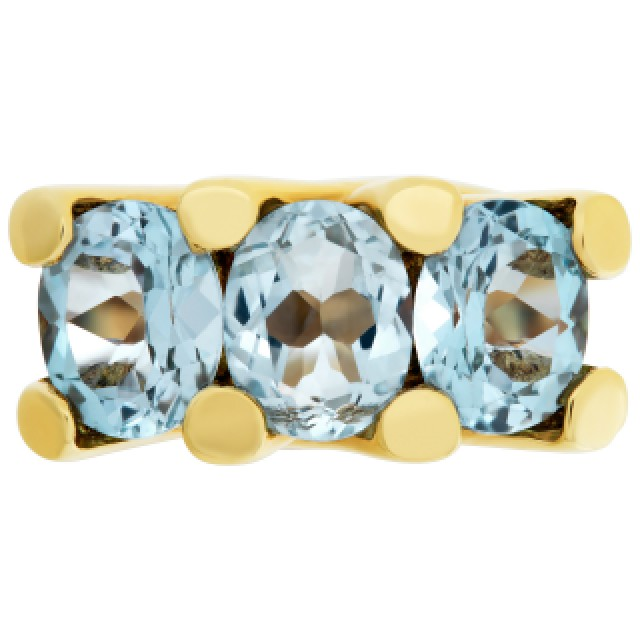 Blue topaz ring in 18k gold image 2
