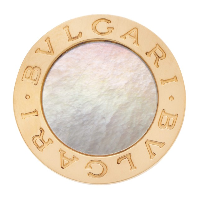 Bvlgari Mother of Pearl round top bezel ring in 18k gold image 1