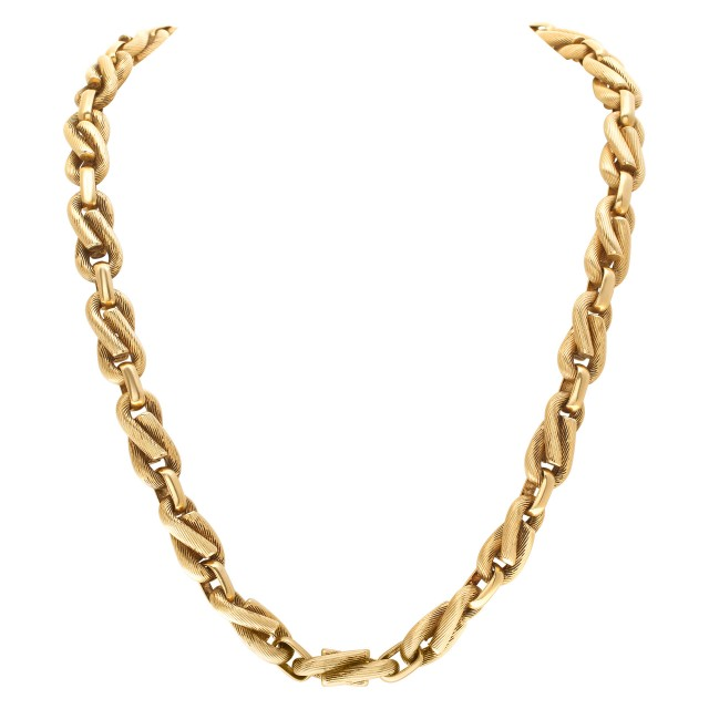 Infinity Link Chain in 18k yellow gold image 1