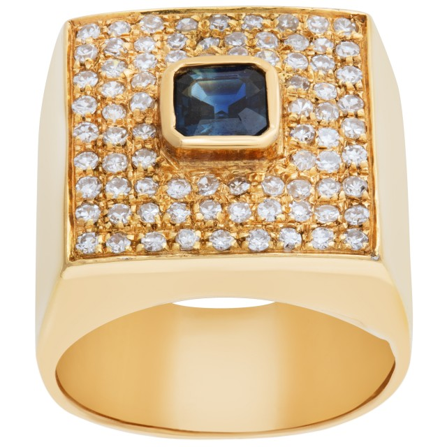 Stunning pave diamond ring in 18k  yellow gold with center sapphire. Size 4.5 image 1