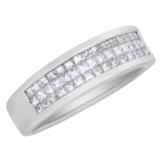 Princess Cut Diamond ring set in 18k white gold. 0.75cts in diamonds. Size 6.25 image 3