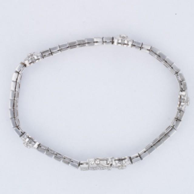 Diamond bracelet in 18k white gold with appr 1.40 carats in diamonds image 2
