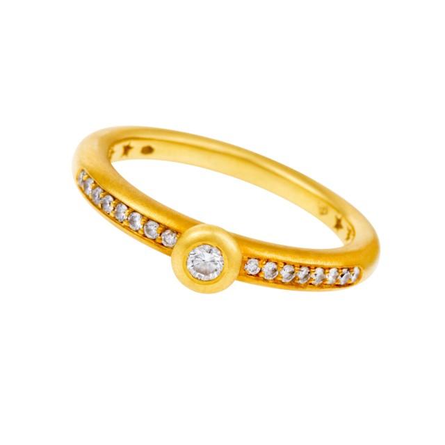 Diamond ring in 18k gold image 1