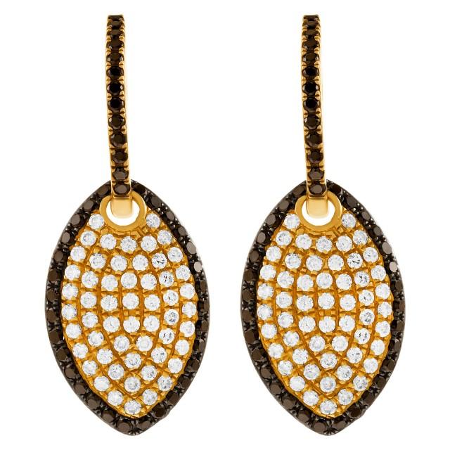 18k yellow gold black and white diamond earrings image 1