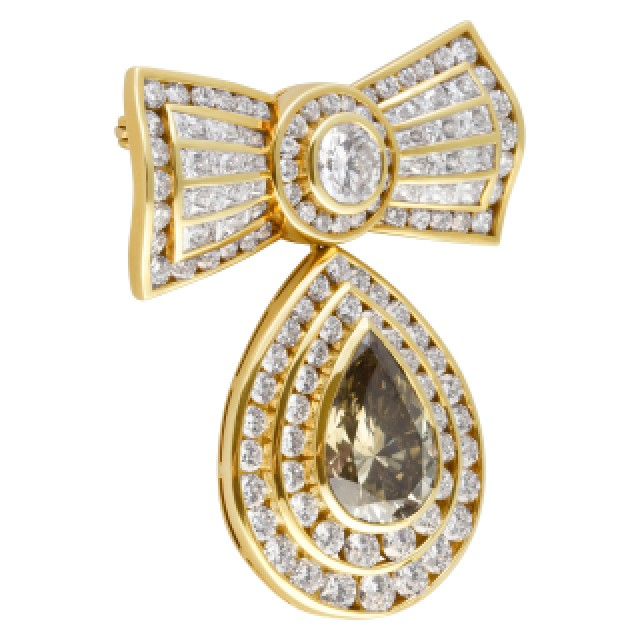 Kutchinsky diamond bow pin in 18k. GIA Certified. Total diamond weight 13.8 carats. image 3