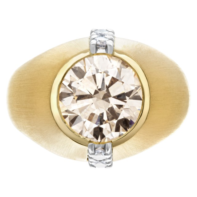 GIA Certified Kutchinsky diamond ring in 18k yellow gold. Warm and bright 4.23 carat center diamond champgane color, VS1 clarity image 1