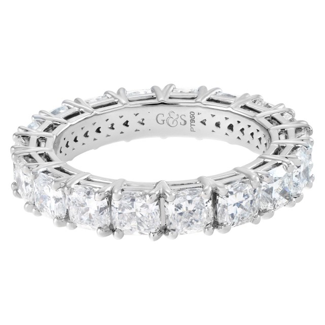 Diamond eternity band with 18 cushion cut diamonds 4.50 carats image 1