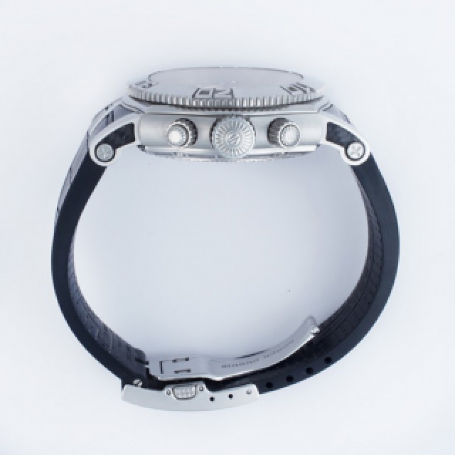 Roger Dubuis Easy Diver image 4