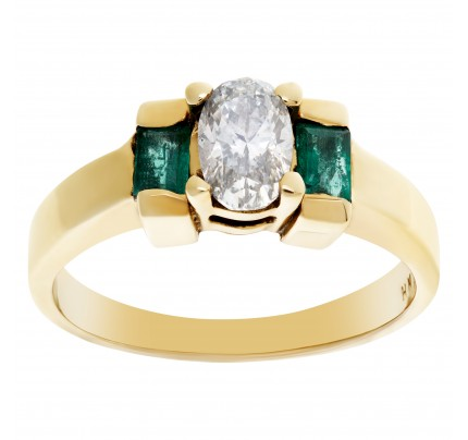 Adorable diamond and emerald ring in 14k