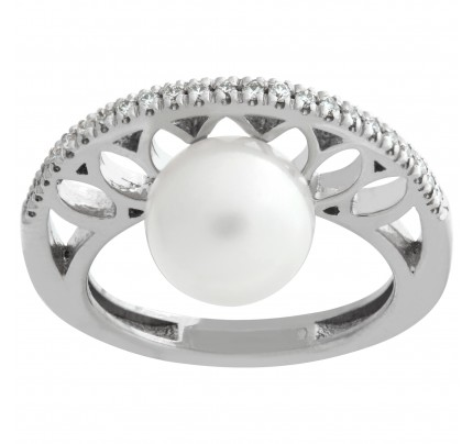 9.2mm Fresh water pearl ring with 0.17 cts in diamond accents in 18k white gold