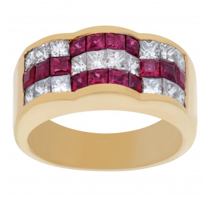 Channel set diamond and ruby ring in 18k yellow gold. 1.12 carats in diamonds