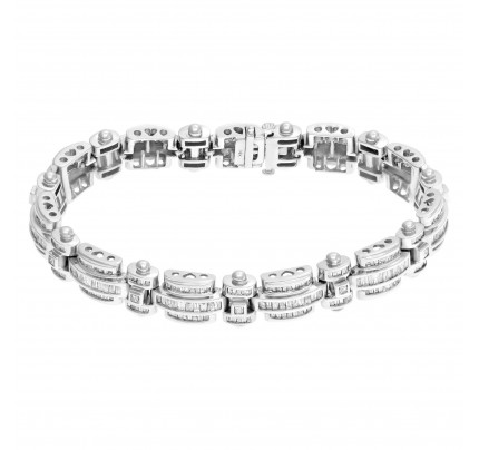 Diamond link bracelet in 14k white gold. Approximately 8.0 carats in diamonds.