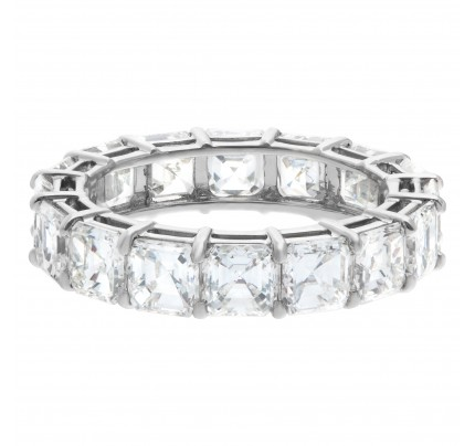 Diamond eternity band asscher cut in platinum with 4.62 carats