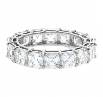 Asscher cut diamond eternity band in platinum, 4.62 carats