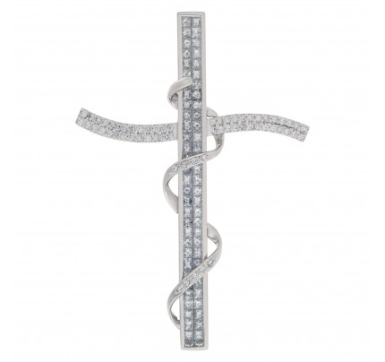 Large cross pendant in 18k white gold.
