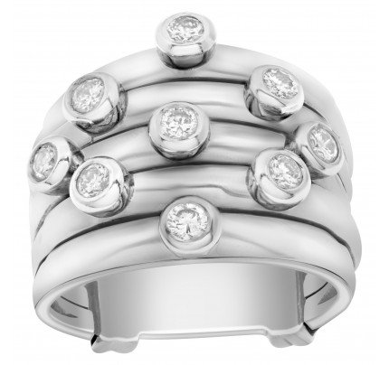 Ring in 18k white gold with diamond accents