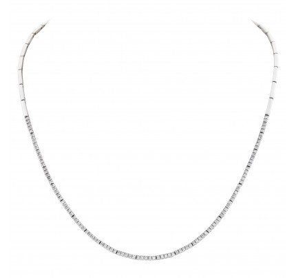 Delicate diamond necklace in 18k white gold