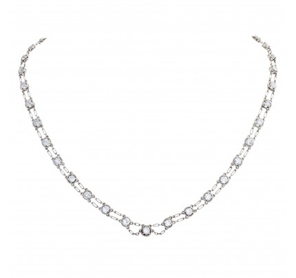 Necklace with approximately 6 carats diamonds in platinum