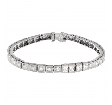 Diamond line bracelet with approximately 2.5 carats in diamonds in platinum