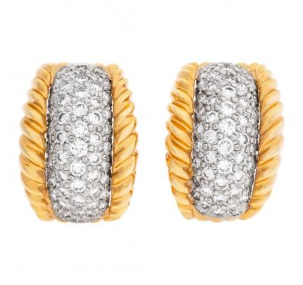 Diamond earrings in 18k