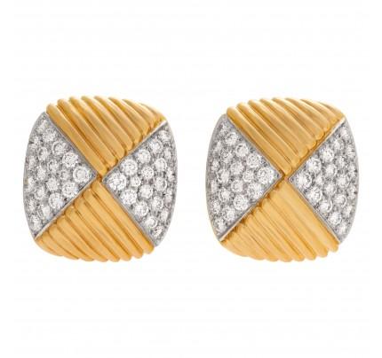 Geometric earrings in 18k with pave diamonds