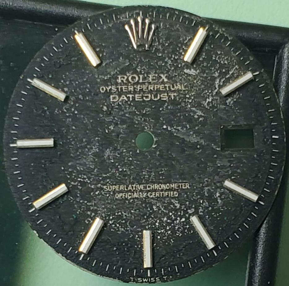 Rolex, Cartier, Patek Philippe, Audemars Piguet, Vacheron Constantin and all high end luxury Swiss timepieces and improve their look with a dial refinishing.